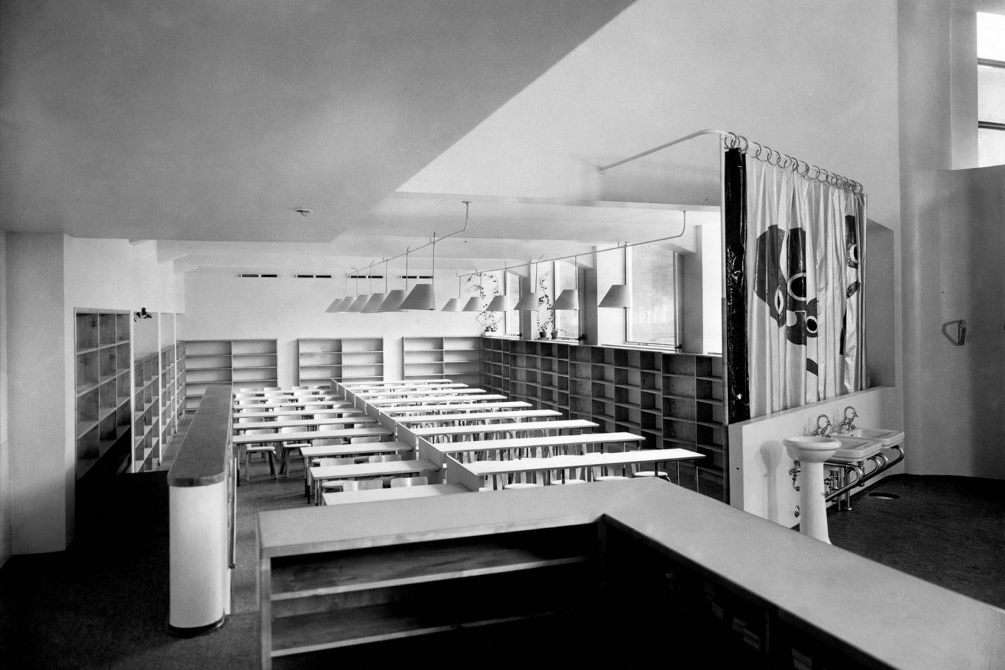 Alvar-Aalto-children-department-old-photo